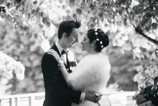 Portrait de mariés à La Défense