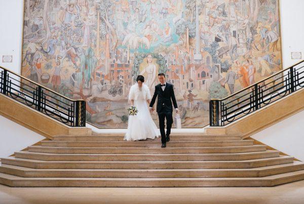 Sortie des mariés à la mairie de Puteaux